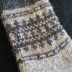 Ravelry: Finial Socks pattern by Rachael M McDaniel Knitting Socks, Knit Socks, Main Colors, Ravelry, Knit Crochet, Knitting Patterns, Crafty, Contrast Color, Design
