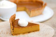 Tarte à la citrouille de Thanksgiving a.k.a. pumpkin pie Pumkin Pie, Pumpkin, Cooking Chef, Feta, Cheesecake, Dessert Recipes, Thanksgiving, Courge Spaghetti, Halloween