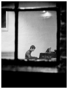 Streets of Oslo, pianoman