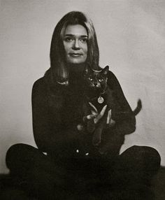 Gloria Steinam, American Icon, uber intelligent trailblazer of the women's movement and cat lover.