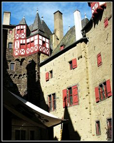 Central Inner Courtyard - Burg Eltz, Germany - http://www.1pic4u.com/2014/05/15/central-inner-courtyard-burg-eltz-germany/