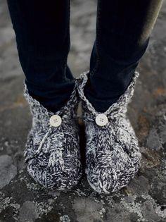 Naisen neulotut tuohivirsut Novita Nalle Taika | Novita knits
