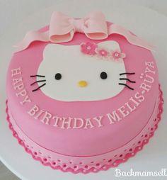 Hello Kitty Torte Hello Kitty Birthday Cake, 4th Birthday, Birthday Cakes, Cupcakes, Food And Drink, Baking, Creative, Sweet, Desserts