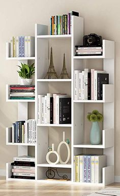 Here are the best teen bedroom organizers for any tidying and decluttering home . - Here are the best teen bedroom organizers for any tidying and decluttering home projects. Diy Bedroom Organization For Teens, Home Organization, Bookshelf Design, Bookshelf Ideas, Bookcase Decorating, Decorating Ideas, Book Shelves, Tree Bookshelf, Decor Ideas