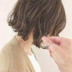 I Like Your Hair, Love Hair, Pretty Hairstyles, Bob Hairstyles, Short Hair Trends, Hair Arrange, Shoulder Length Hair, Short Hair Cuts, Curly Hair Styles