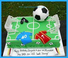 Soccer Cake - Cake by Mel_SugarandSpiceCakes - Pink Unicorn 9th Birthday Cake, Football Birthday, Birthday Cakes For Men, Cakes For Boys, Sons Birthday, Football Themed Cakes, Sports Themed Cakes, Soccer Treats, Soccer Cakes