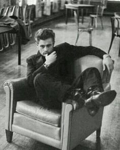 James Dean: nothing further needs to be said. James Dean, James 3, James Franco, Classic Hollywood, Old Hollywood, Hollywood Stars, Rebel Without A Cause, Movies And Series, Love Him