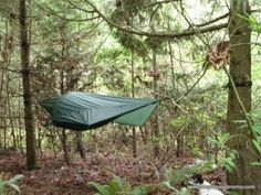 Our first Camping Guides article ever! For most extreme survivalists, is tarp or hammock-tent a better lightweight shelter? Check our own verdict about it.