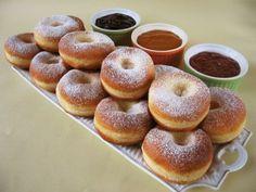 Szalagos farsangi fánk Hungarian Cake, Hungarian Recipes, Hungarian Food, Beignets, Bread Recipes, Cake Recipes, Different Kinds Of Cakes, Czech Recipes, 1 Gif
