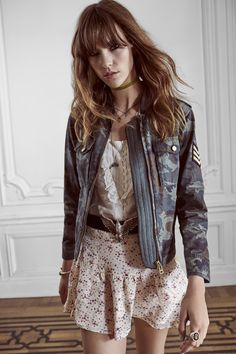 Zadig & Voltaire Spring 2016 Ready-to-Wear Collection Photos - Vogue Indie Fashion, Fashion Show, Gypsy Fashion, Fashion 101, Paris Fashion, Estilo Aria Montgomery, Military Trends, Military Chic, Military Jacket