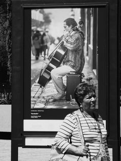 Rayas Verticales y Horizontales #ImagenesDeMexico #FotografiasDeMexico #FotografiasCDMX #ImagenesCDMX #Fotografias #StreetPhotography #BlackAndWhitePhotography