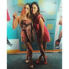 Duas lindas!  A fashion blogger @joanapaladini  nossa musa @thailaayala no evento Tanara #shoesfirst que rolou em São Paulo na última semana.