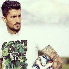 Panagiotis Kone Athlete, Eye Candy, Tank Man, Hair Cuts, Soccer, Football, Men Hairstyles, Pure Products, Hair Styles