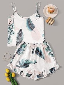 To find out about the Tropical Print Satin Cami PJ Set at SHEIN, part of our latest Night Sets ready to shop online today! Cute Pajama Sets, Cute Pjs, Cute Pajamas, Pj Sets, Pajama Outfits, Crop Top Outfits, Rock Outfits, Emo Outfits, Cute Sleepwear