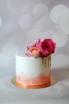 Gold drip cake - Cake by Klara Liba