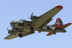 Photo of Boeing B-17 Flying (N7227C) ✈ FlightAware