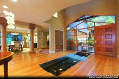 51 Worthy Indoor Fish Pond Ideas to Add Some Nature Impression into Your Home # Decoration Coy Pond, Koi Fish Pond, Fish Ponds, Indoor Pond, Indoor Outdoor, Indoor Water Features, Pond Design, House Plants Decor, Glass Floor