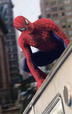 """""""Spider-Man 2 Spidey on the train! Spiderman Sam Raimi, Spiderman 2002, Black Spiderman, Amazing Spiderman, Marvel Characters, Marvel Movies, Iconic Characters, Sipder Man, Spider Man Trilogy"""