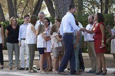 Queen Letizia of Spain Photos - Spanish Royals Pose at Marivent Palace - Zimbio