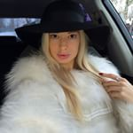 .another fur fashion look pinned by full pelt