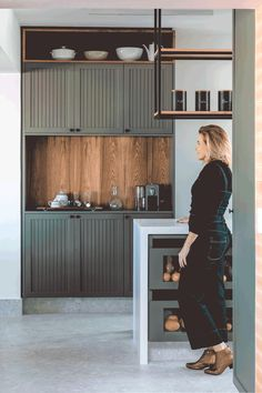 Interior Desing, Interior Exterior, Interior Design Kitchen, Green Kitchen, Kitchen Sets, Home Decor Kitchen, Custom Kitchens, Home Kitchens, Küchen Design