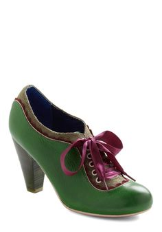 The Estate of Things Heel in Green. Dear Pen Pal - today, my vacation in the English countryside continued with a tour of a centuries-old estate. #green #modcloth