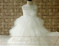 Elfenbein Spitze Tüll Blumenmädchen Kleid von Weddingcollection