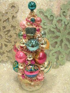 PINK VINTAGE CHRISTMAS | Ms Bingles Vintage Christmas: Pink & Blue Snowman Vintage Ornaments ...