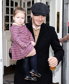 Harper Beckham, the adorable youngest child and only daughter to Victoria and David Beckham, is forever being cuddled and coddled by her dashing father. David Beckham Family, David Beckham Style, Victoria And David, David And Victoria Beckham, David Harper, Cutest Picture Ever, Posh And Becks, Harper Beckham, Bend It Like Beckham