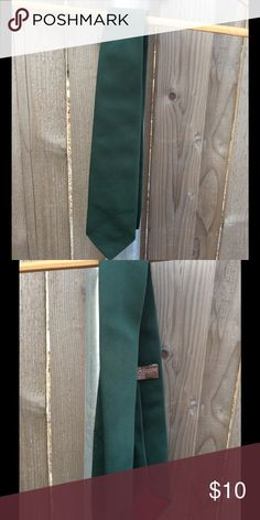 Men's Vintage tie Vintage dark green Tie from Fashion Collection at Sears. Good vintage condition. Sears Accessories Ties