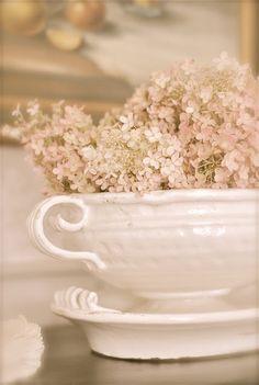 Vintage Wedding Ideas | Pretty flowers