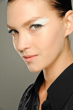 My favourite Make Up Trends from the Fall 2012 Fashion Shows - Fendi