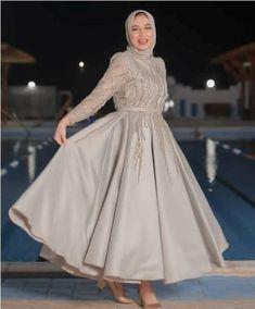 Source by lumijah dress hijab Hijab Prom Dress, Hijab Evening Dress, Hijab Wedding Dresses, Muslim Dress, Dress Outfits, Evening Dresses, Fashion Dresses, Hijab Gown, Dresses Dresses