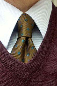 Sam Hober Tie: Macclesfield Printed Silk Tie 135 http://www.samhober.com/macclesfield-print-silk-ties/