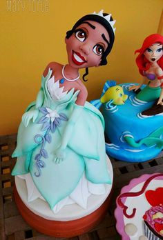 Tiana, Princess and the Frog Cake | by Mary Torte | #marytorte #princessandthefrogcake #tianacake