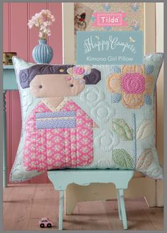 Patchwork, Tilda Stoff, Tilda Fabric, Free PDF, happy Campers, Tutorial Patchwork Cushion, Patchwork Patterns, Kids Patterns, Quilted Pillow, Quilt Patterns, Colchas Quilt, Quilt Blocks, Quilting, Baby Girl Quilts