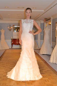 @Inés Peschiera Di Santo lace trumpet wedding gown #bridalmarket
