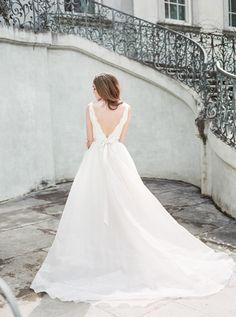 Classic and timeless | Photography: Amanda Berube Photography - www.AmandaBerube.com Read More: http://www.stylemepretty.com/2015/05/29/elegant-swan-house-garden-wedding-inspiration/