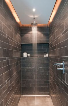 Tips for lighting walk-in showers and shower cubicles - Beleuchtung Dachgeschoss - Bathroom Decor Modern Bathroom, Small Bathroom, Master Bathroom, Dyi Bathroom, Shower Bathroom, Bathroom Remodeling, Shower Rooms, Bathroom Flooring, Bad Inspiration