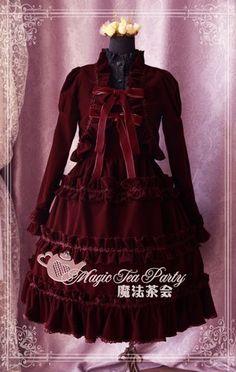 beautiful Lolita outfits From rococodream.com
