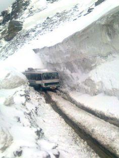 Way to Rothang pass..manali Himachal Pradesh..!!