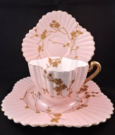 Beautiful Wileman Foley Pre-Shelley Teacup Trio Handpainted gold blossoms on pink (Pattern in Alexandra shape. Sold to Canadian collector. Tea Pot Set, Cup And Saucer Set, Tea Cup Saucer, Cheer Up Gifts, Strawberry Champagne, Tea Tins, Tea Art, China Tea Cups, Porcelain Mugs