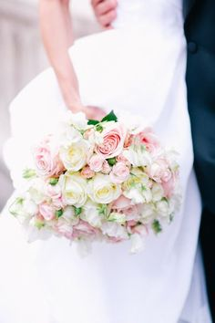 52 Trendy Bridal Bouquet White And Pink Sophisticated Bride Bridesmaid Bouquet, Wedding Bouquets, Wedding Dresses, Dream Wedding, Wedding Day, Wedding Blog, French Wedding, Wedding Rustic, Wedding Poses