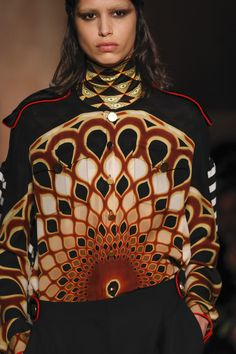 Givenchy Fall 2016 Ready-to-Wear Fashion Show Details