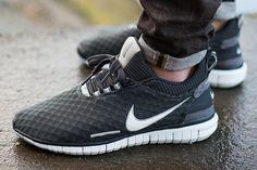 Nike Free OG - Anthracite / Summit White