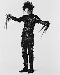 Johnny Depp as Edward Scissorhands - saw this costume at the Tim Burton exhibit at LACMA - fantastic! Colleen Atwood, Pepe Le Pew, Movie Plot, I Movie, Betty Boop, Gustav Klimt, Eduardo Scissorhands, Movies Showing, Movies And Tv Shows