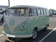 1966 VW Split Screen called Peppermint Cream