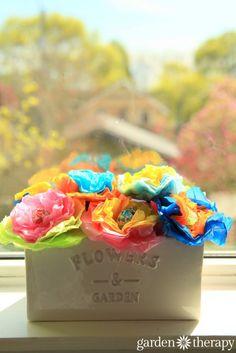 How to make these cheery tissue paper lollipop flowers - Garden Therapy Lollipop Bouquet, Candy Bouquet, Birthday Party Centerpieces, Flower Centerpieces, Balloon Arrangements, Diy Crafts For Kids, Fall Crafts, How To Make Lollipops, Tissue Paper Flowers