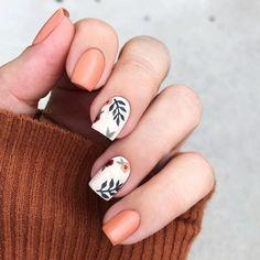 ▷ ideas for fall nail colors to try this season ▷ ideas for fall nail colors to try this season,Manicure and Nail Art orange and white nail polish, fall nail designs, floral. Pink Nails, My Nails, Short Square Nails, Short Nails, White Nail Polish, Fall Nail Colors, Best Acrylic Nails, Acrylic Art, Fall Nail Designs