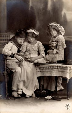 Grete, sister Hanni, and brother Otto. All appeared in silent films in Germany